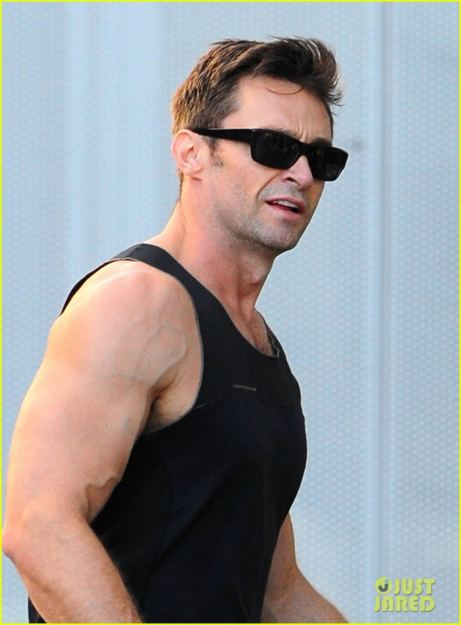 hugh jackman biceps 01