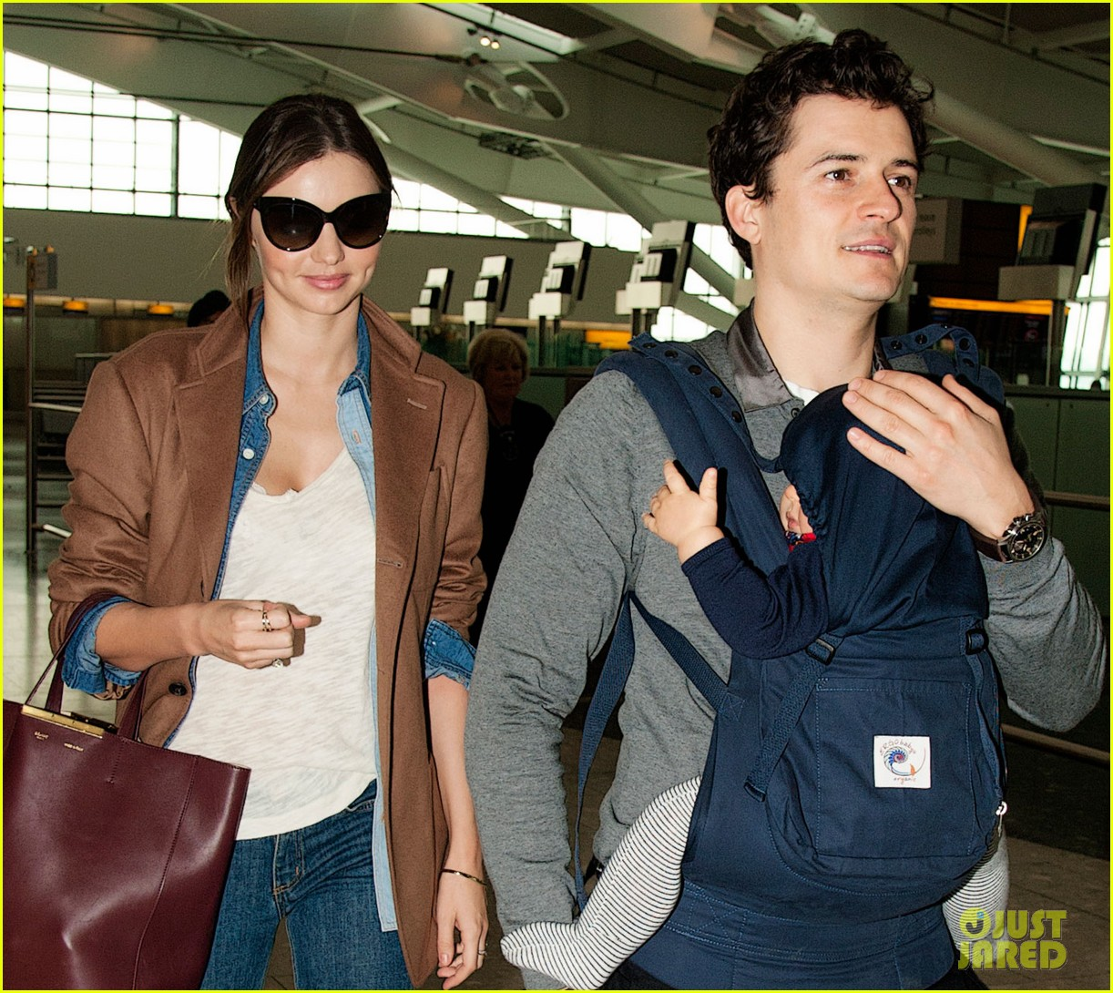 miranda kerr orlando bloom heathrow flynn 05