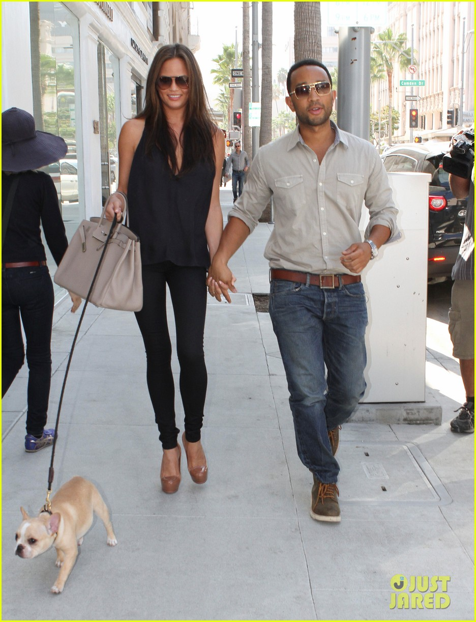 john legend chrissy teigen villa blanca lunch 01