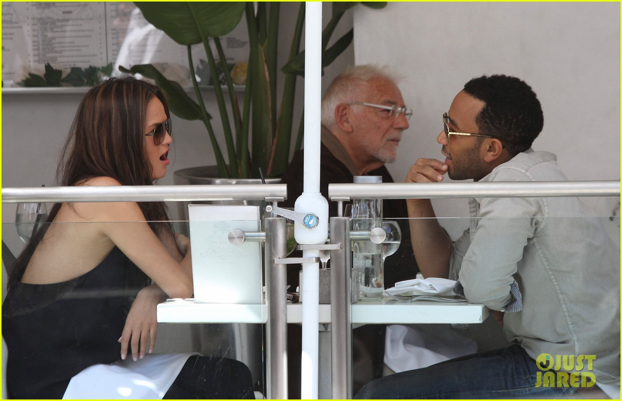john legend chrissy teigen villa blanca lunch 062585756