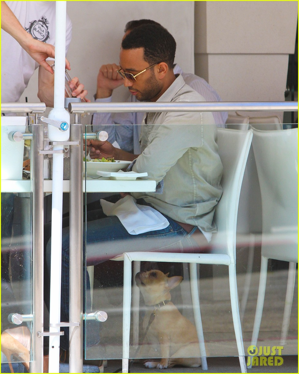 john legend chrissy teigen villa blanca lunch 112585761