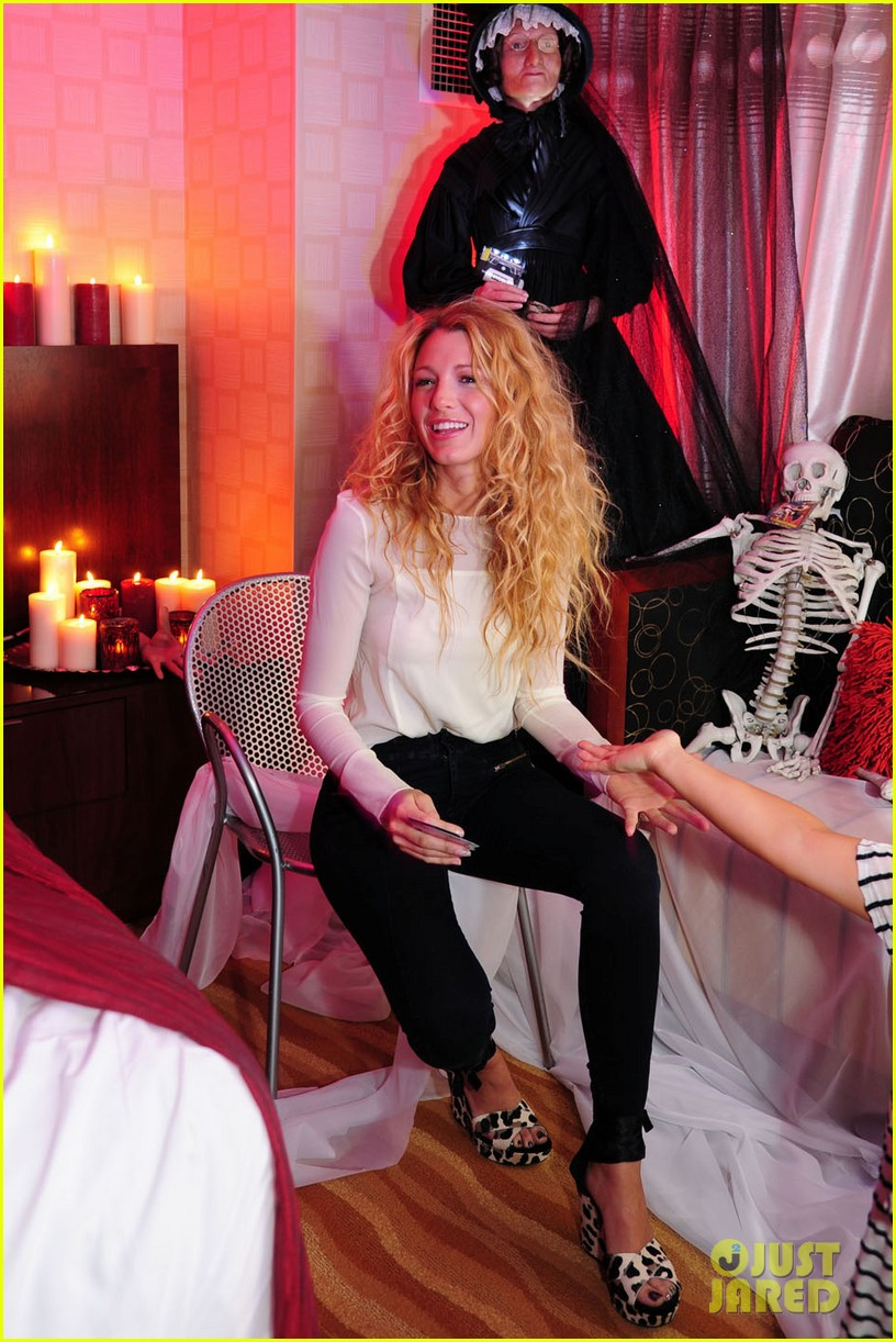 blake lively halloween suite 02
