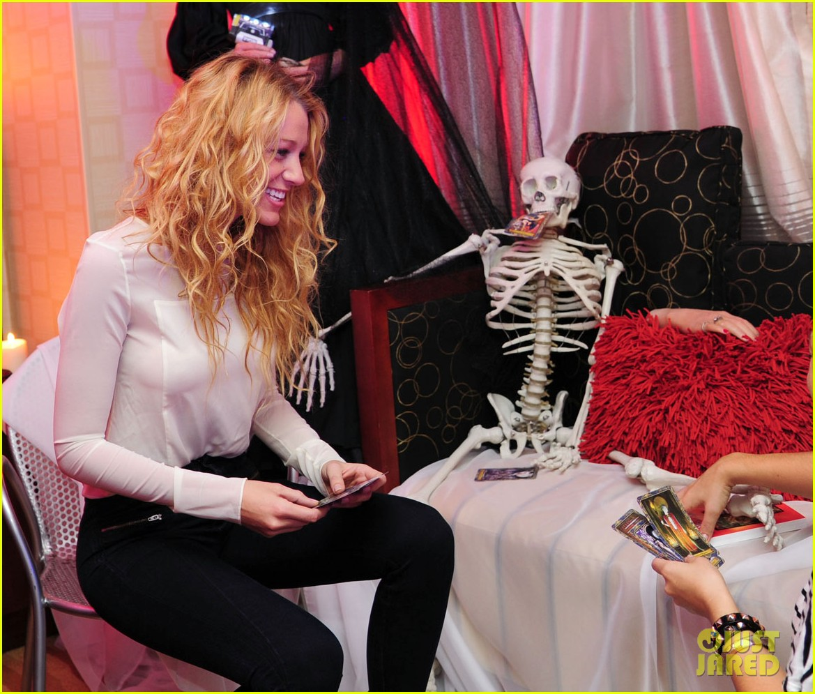 Full Sized Photo of blake lively halloween suite 09 | Photo 2587327 ... Blakelively