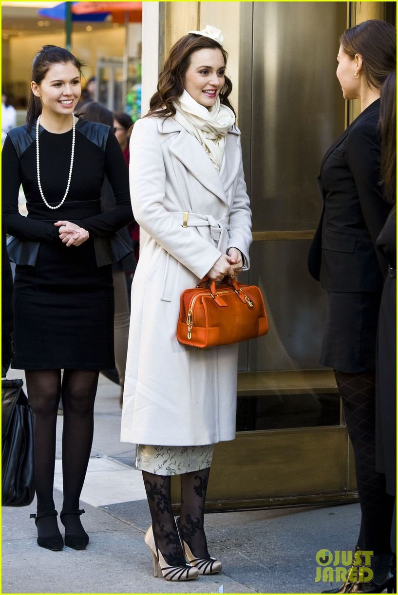 leighton meester white coat gossip set 26
