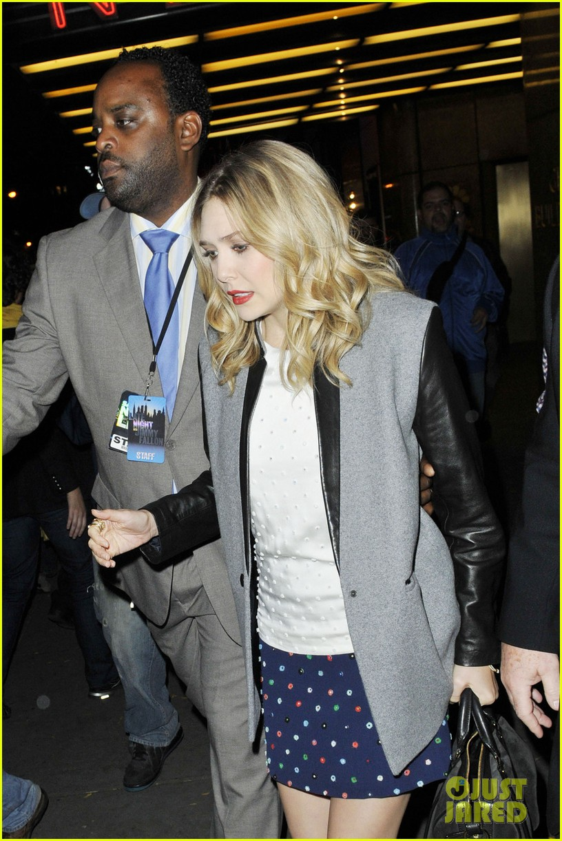 elizabeth olsen leaving jimmy fallon 01