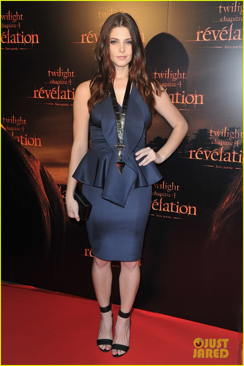 robert pattinson ashley greene twilight paris premiere 04