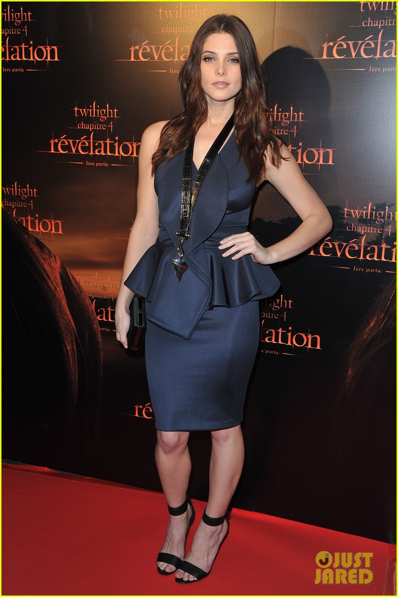 robert pattinson ashley greene twilight paris premiere 082592849