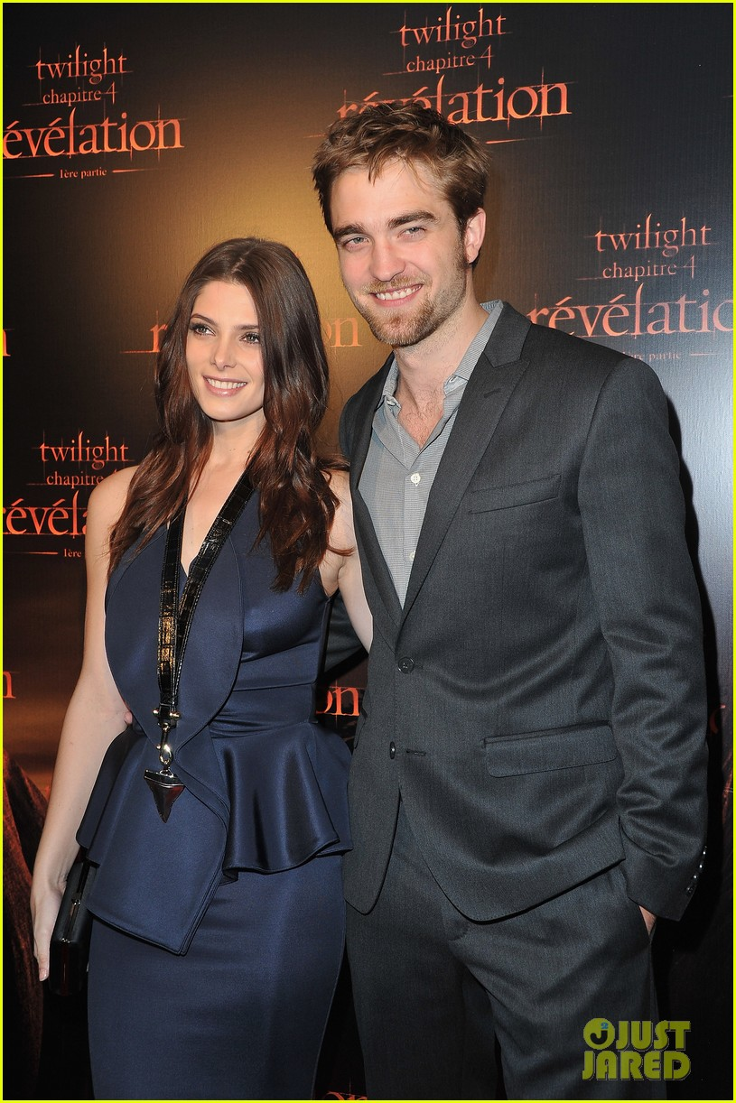 robert pattinson ashley greene twilight paris premiere 102592851
