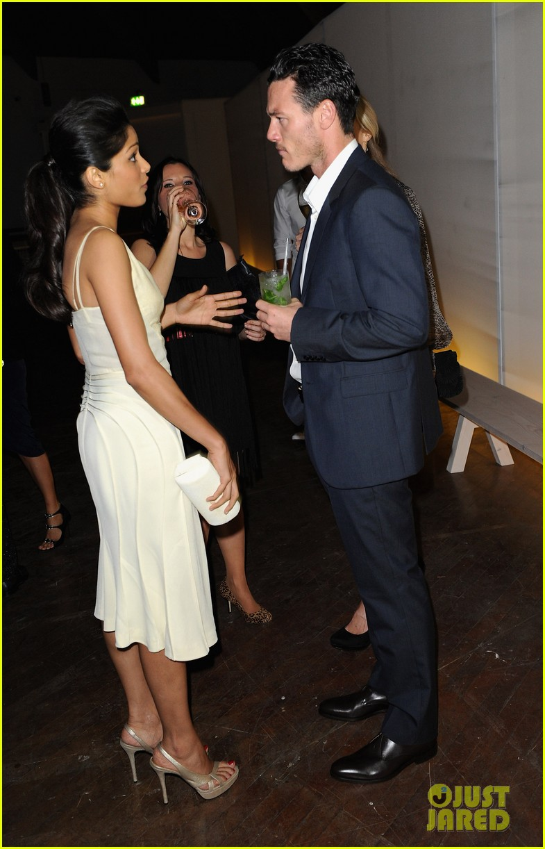 frieda pinto calvin klein dinner with luke evans 042589693
