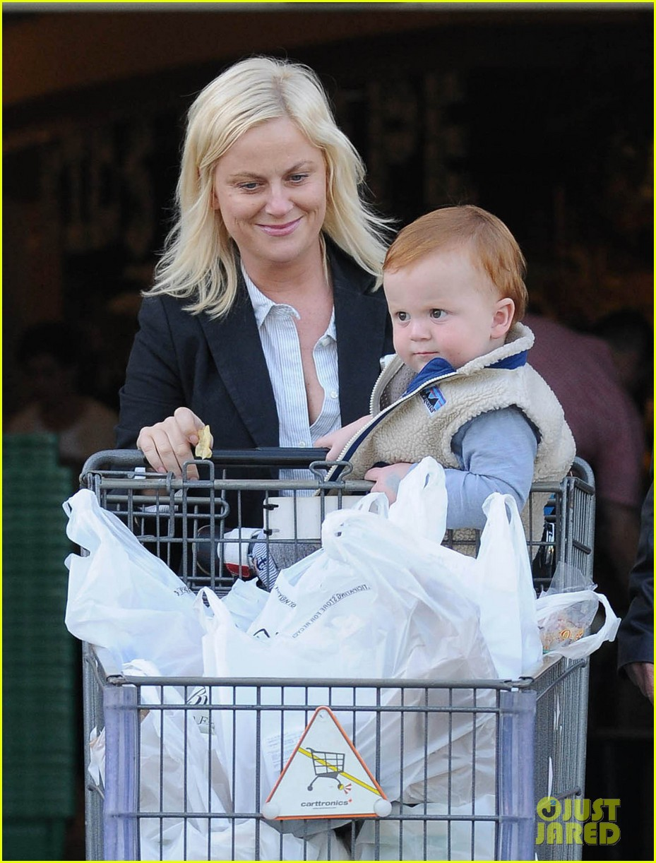 amy poehler abel grocery shopping 05