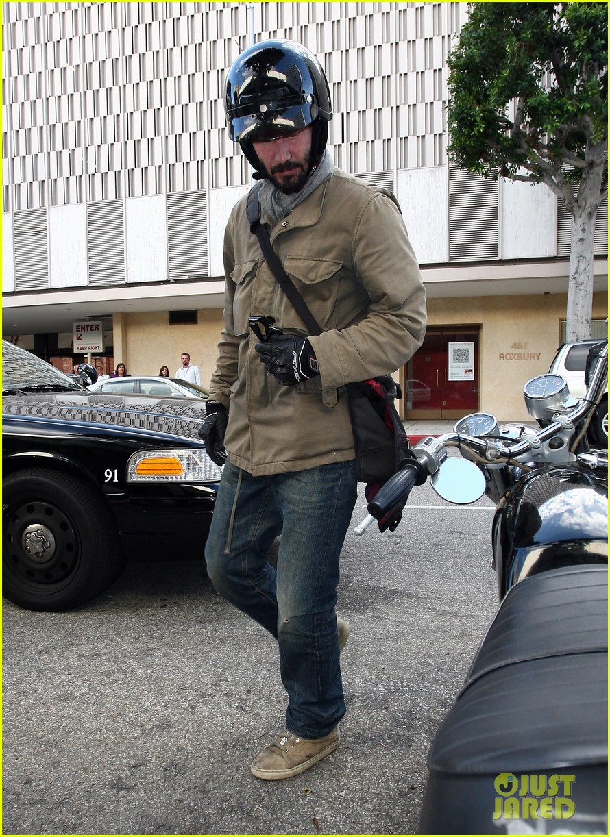 keanu reeves bike trouble 03