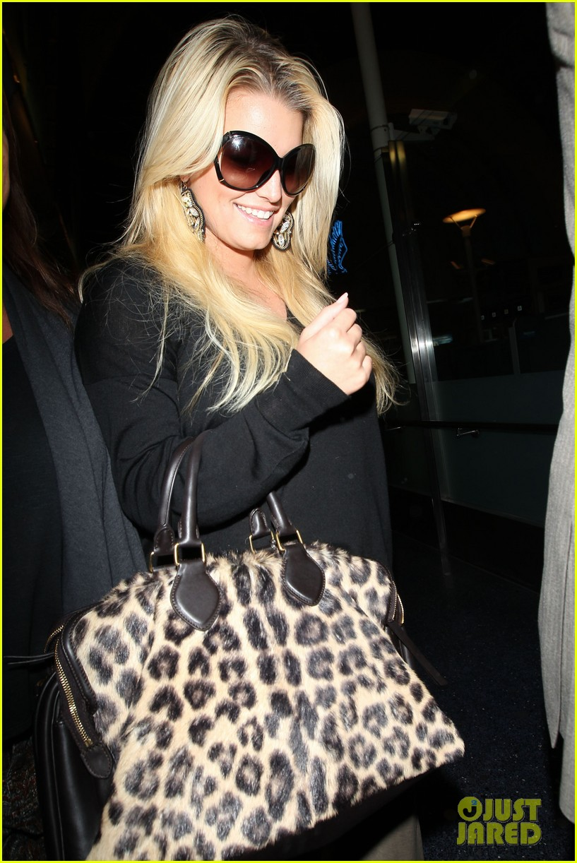 jessica simpson lax airport 05