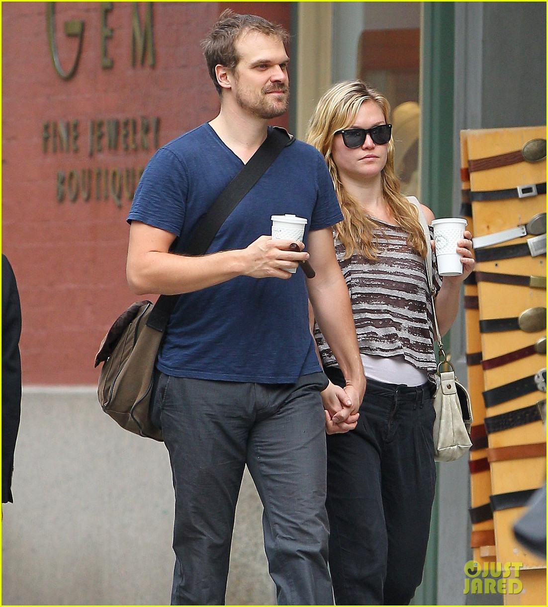 julia stiles coffee david 042586056