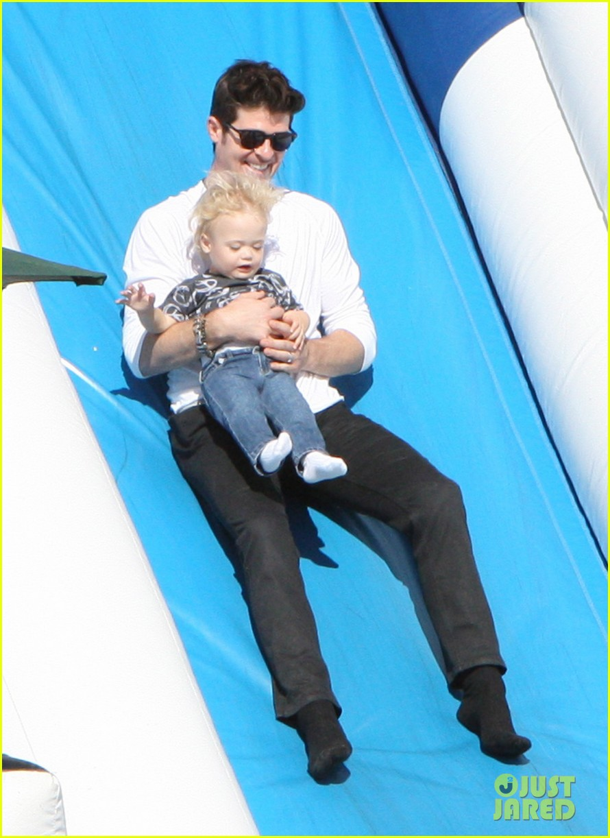 robin thicke paula patton pumpkin patch with julian 07