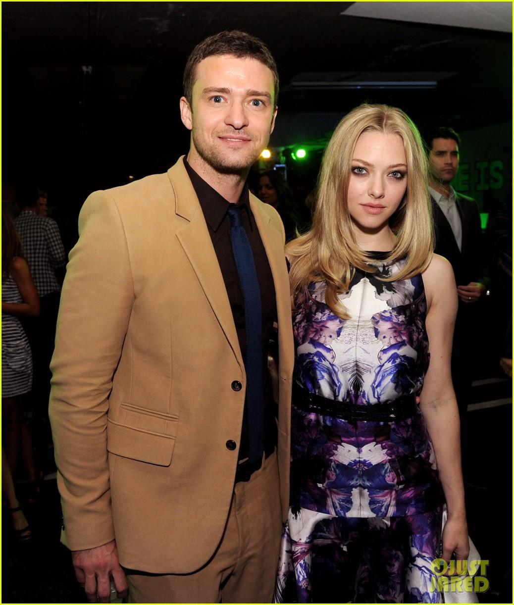 Amanda Seyfried & Justin Timberlake: Time Out!: Photo