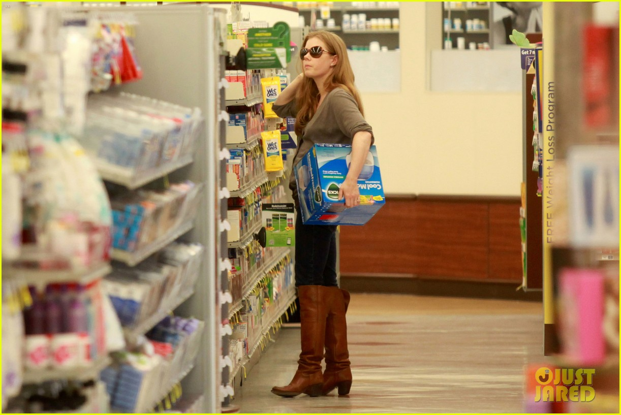 amy adams lunch errands with family 12