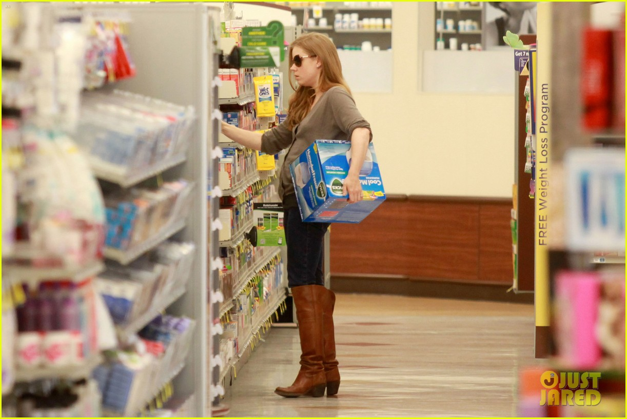amy adams lunch errands with family 18