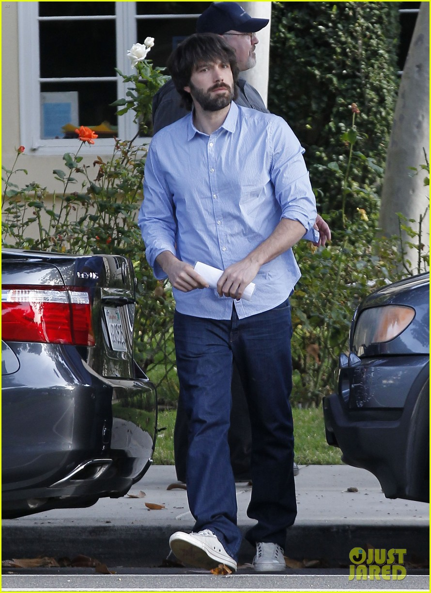 ben affleck violet hug after school 012604744