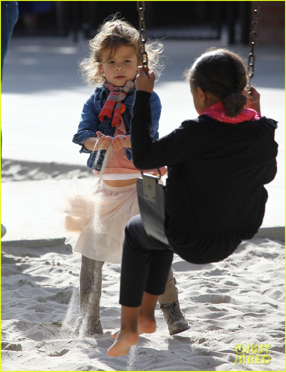 jessica alba park day family 32