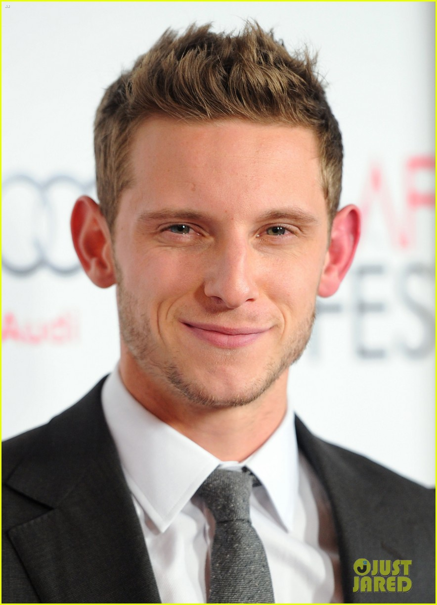The 32-year old son of father John Bell and mother Eileen Matfin, 173 cm tall Jamie Bell in 2018 photo