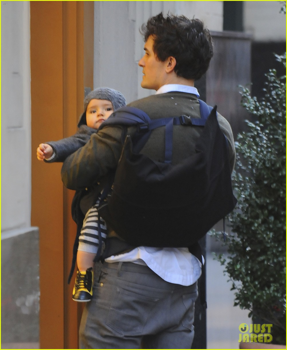orlando bloom kisses for flynn 07