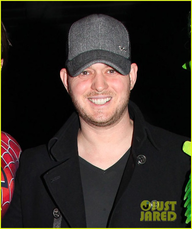 michael buble visits spiderman broadway 02