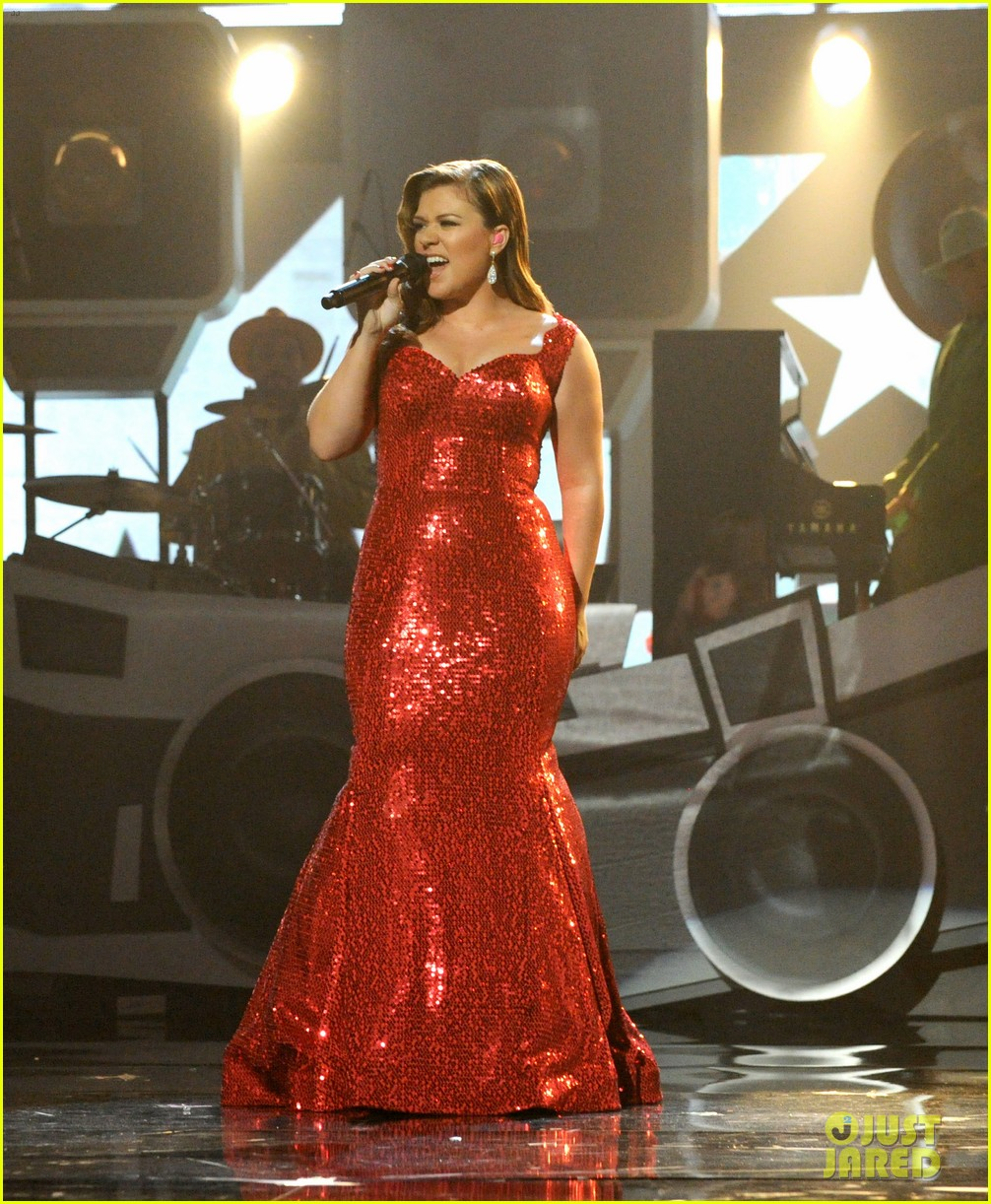 kelly clarkson amas 2011 03