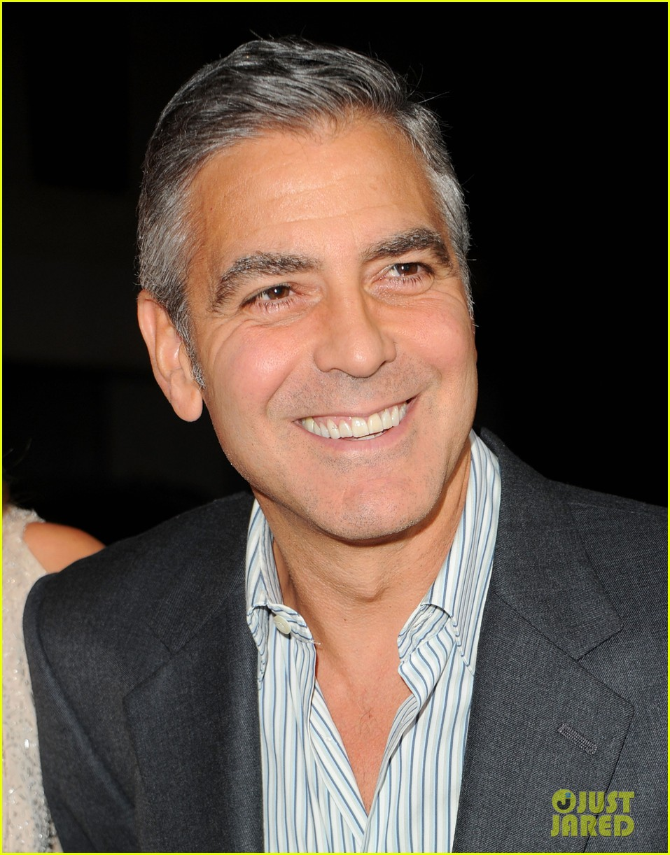 george clooney stacy keibler descendants la 032600909
