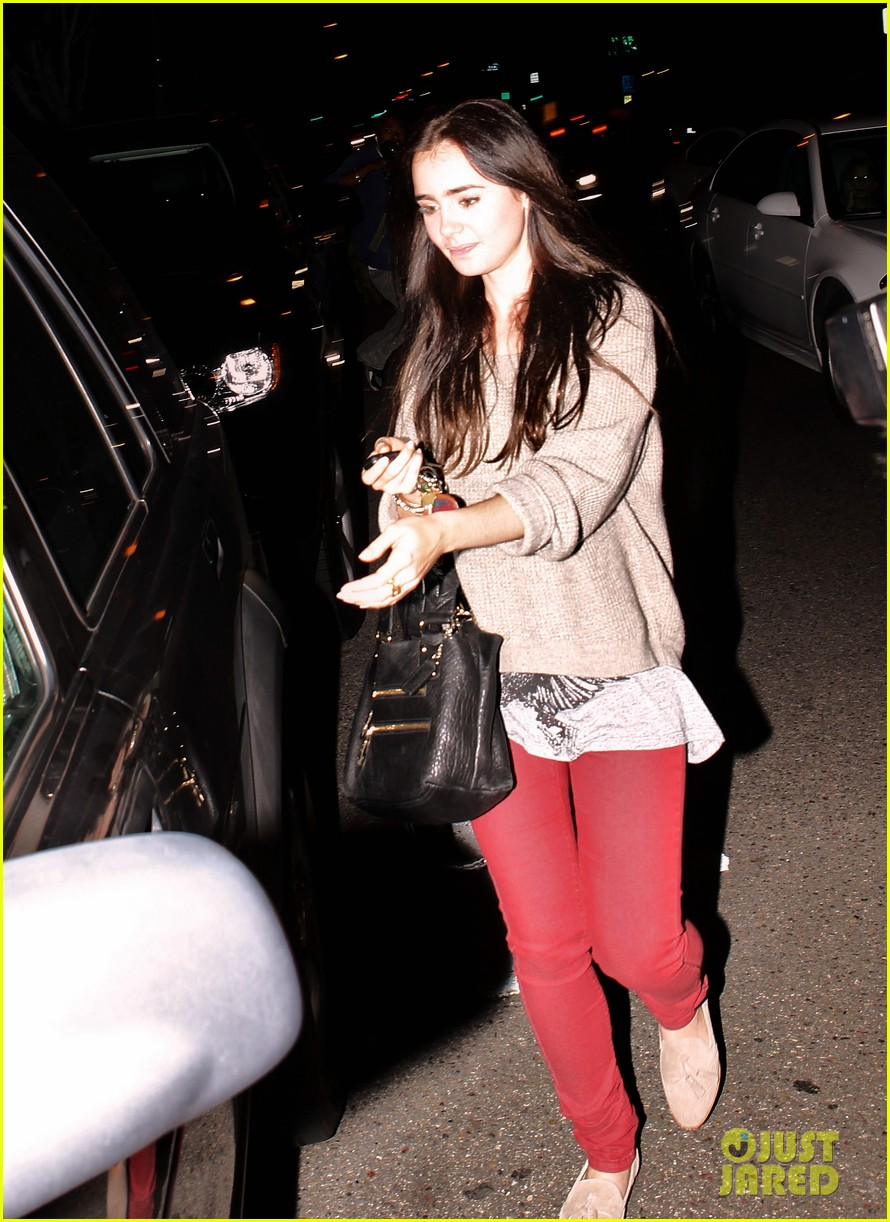 lily collins newsroom cafe 01