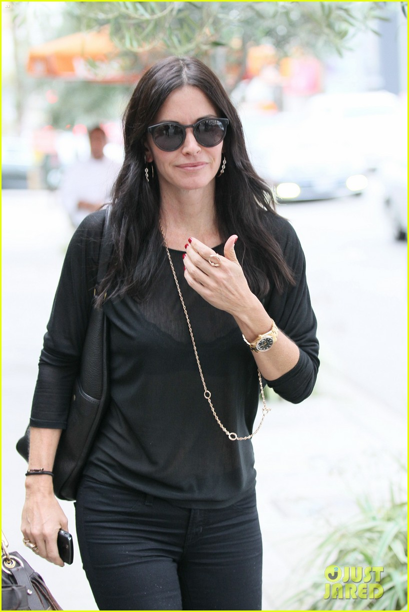 courteney cox lunch shopping friend 12