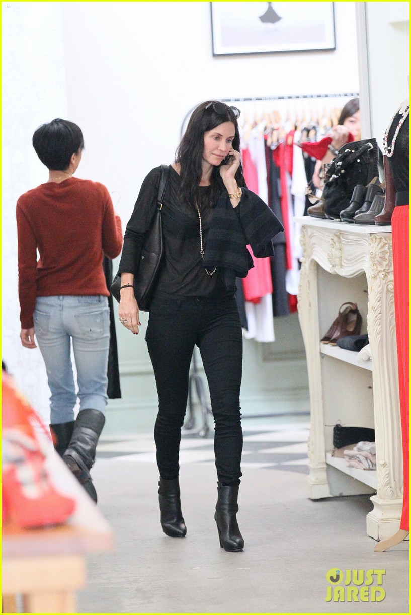 courteney cox lunch shopping friend 15