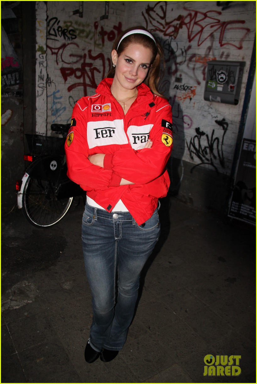 lana del rey video games in germany 05