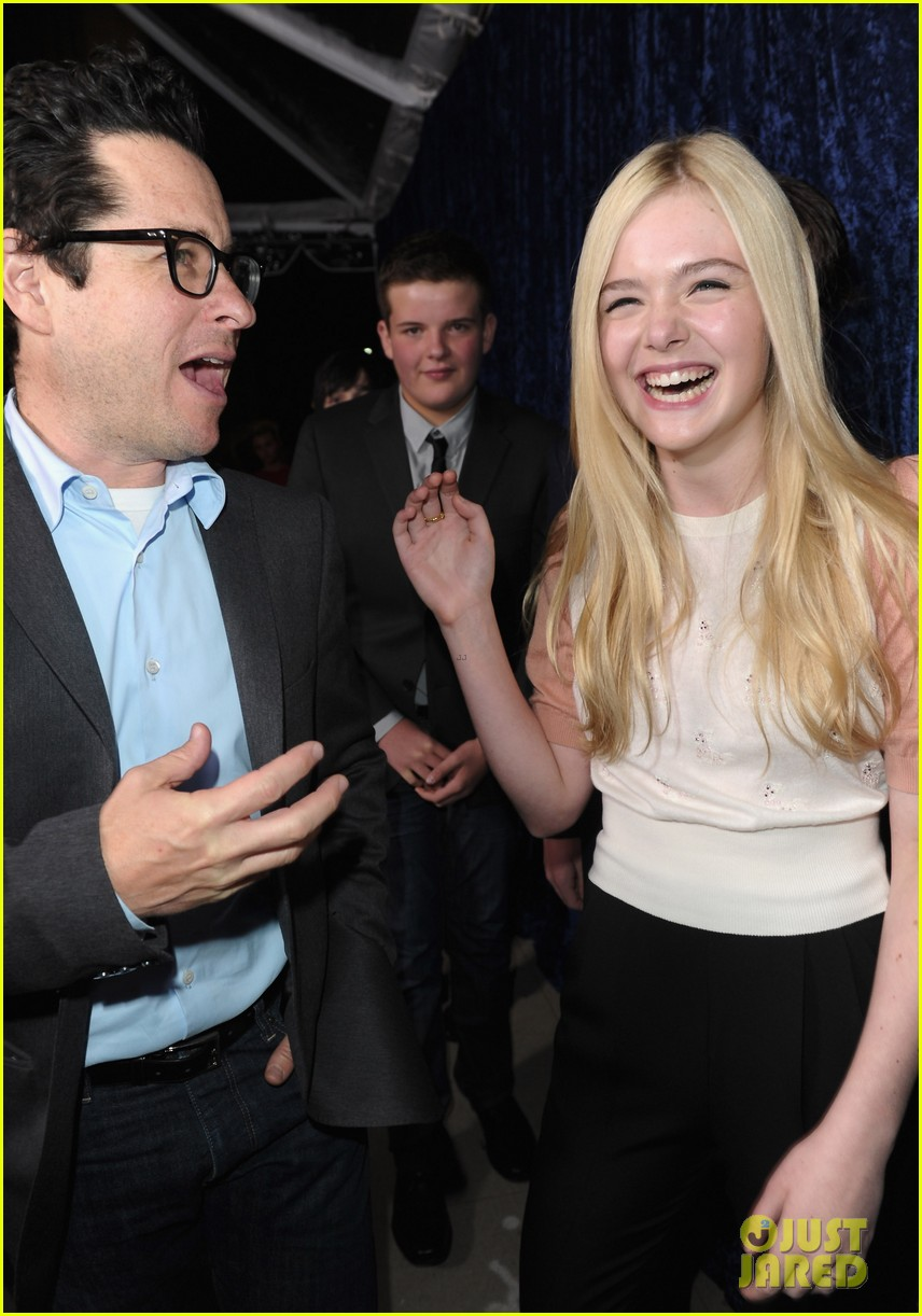 elle fanning super 8 dvd blu ray release party 02