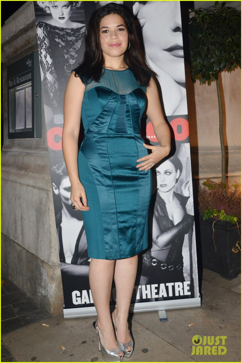 america ferrera chicago press night 01