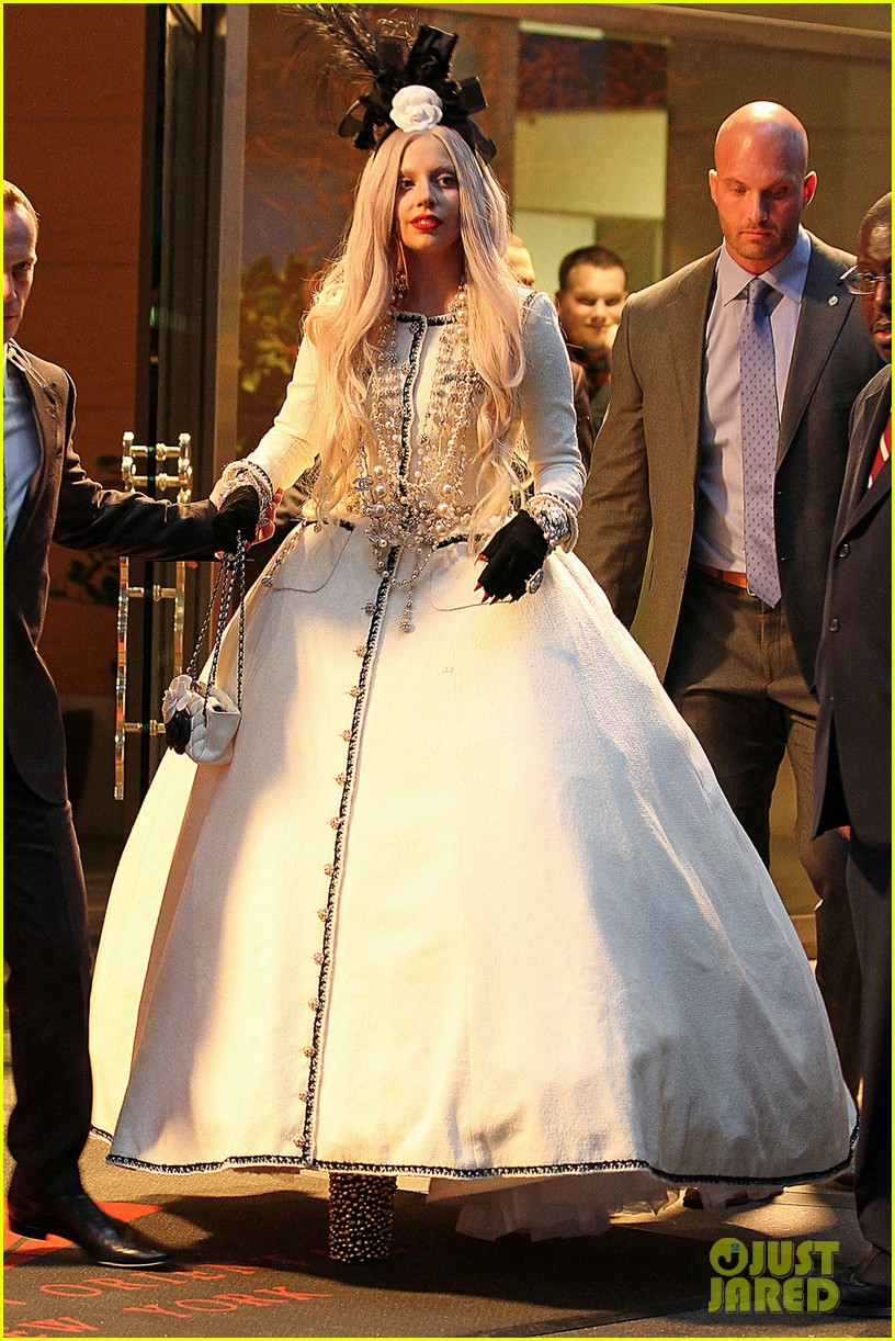 lady gaga ballgown nyc 01