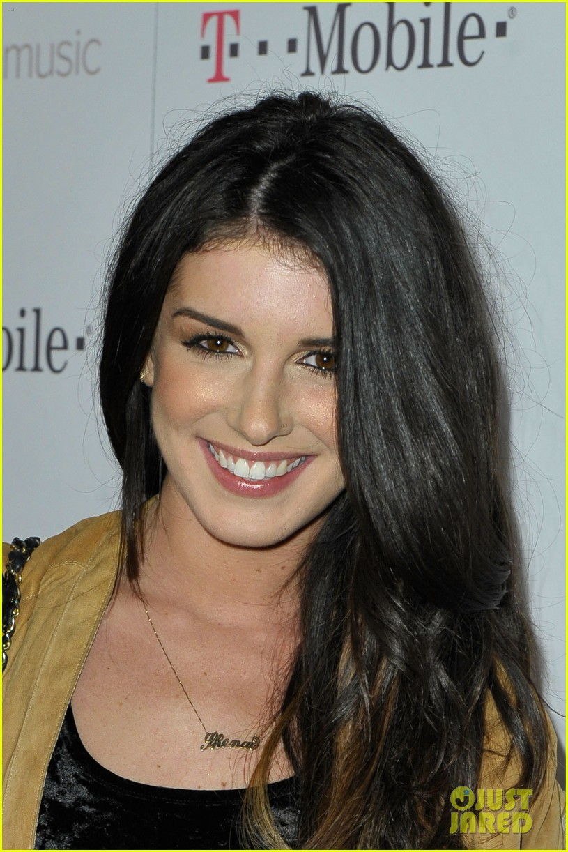 shenae grimes chad michael murray t mobile google music 06