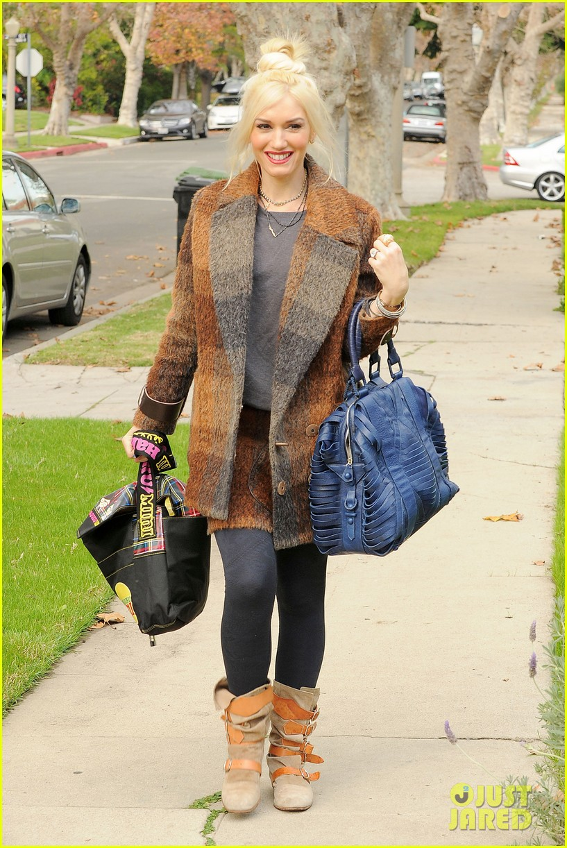 gwen stefani thanksgiving dinner 13