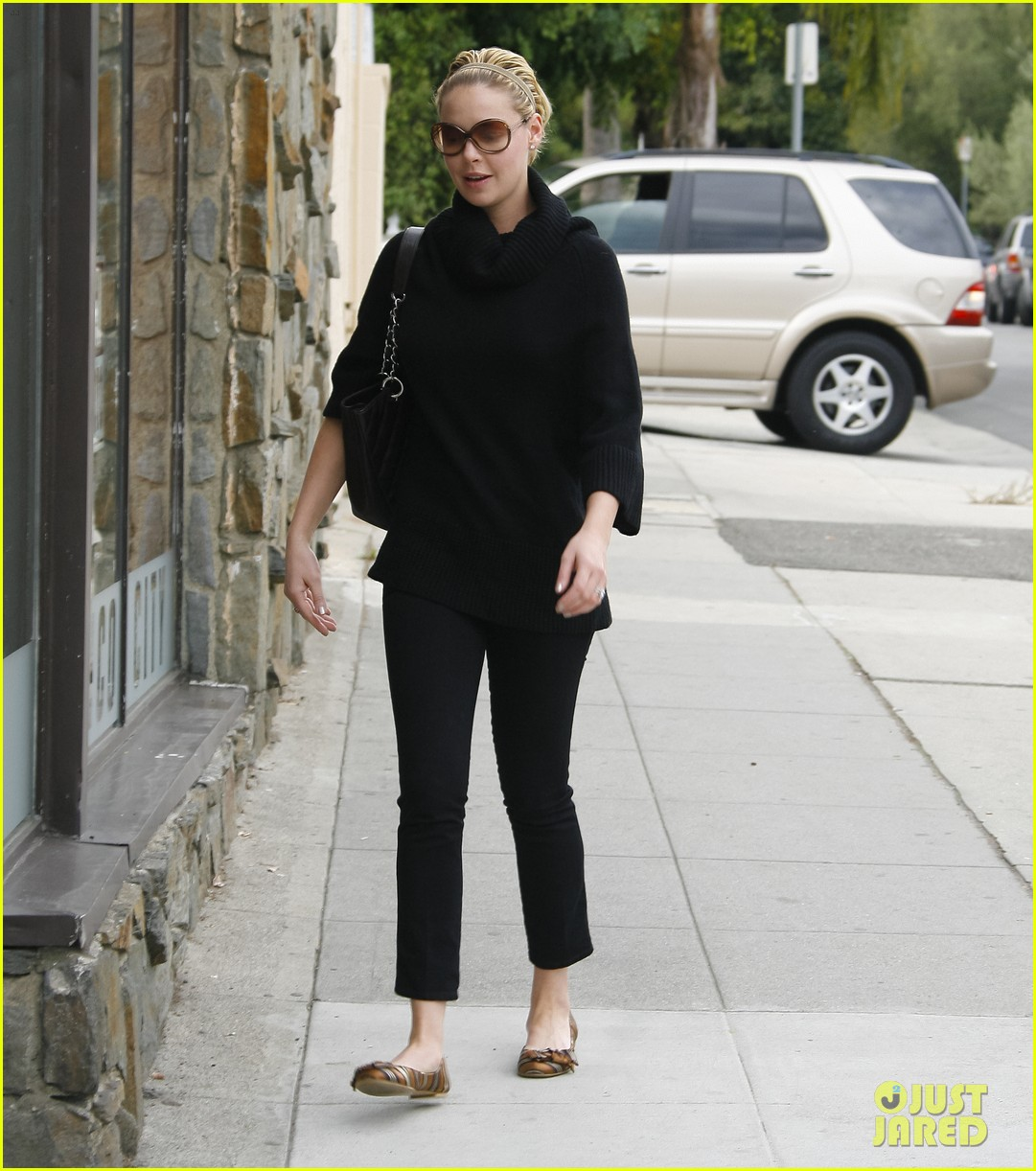 katherine heigl meat fish market trip 03