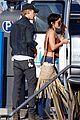 vanessa hudgens austin butler romantic stroll in venice beach 09