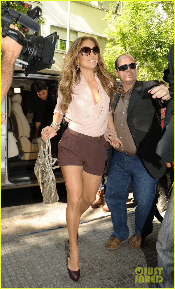 jennifer lopez: executive producer for mtv latina comedy!: photo