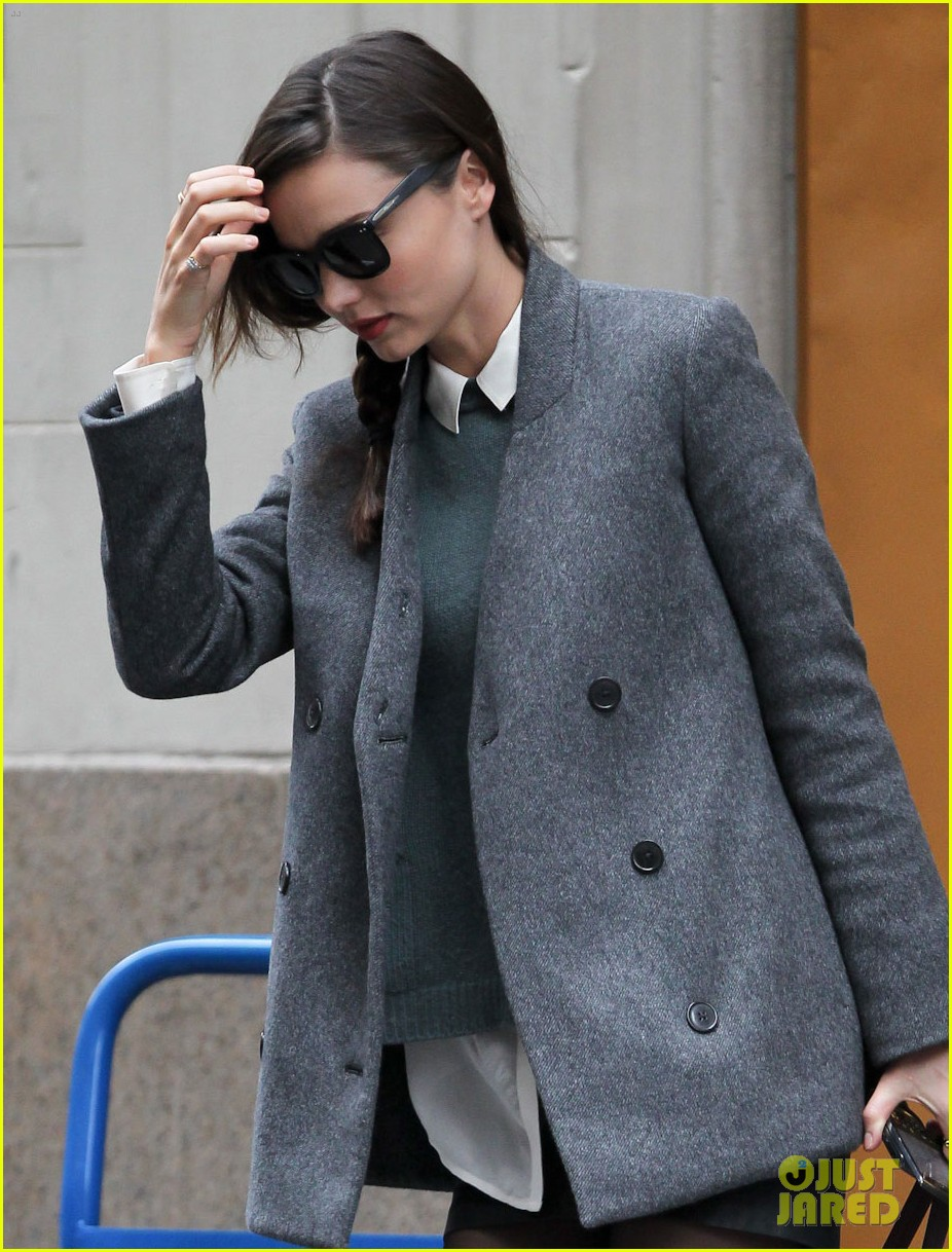 miranda kerr shorts jacket nyc 03