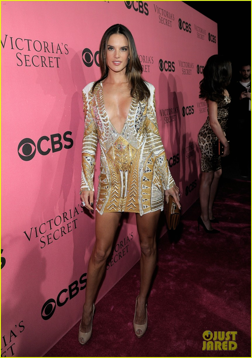 miranda kerr alessandra ambrosio vs viewing party 032605058