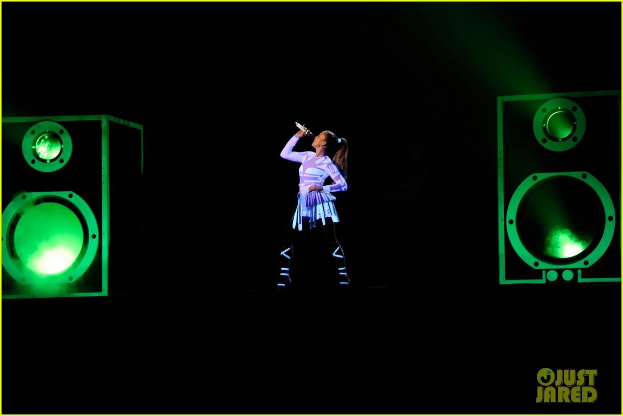 jennifer lopez amas winner 2011 06