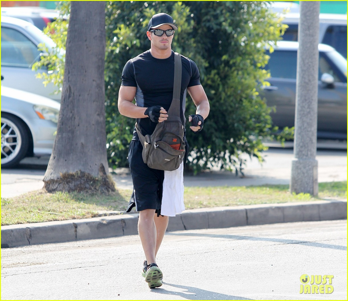 kellan lutz works out santa monica 07