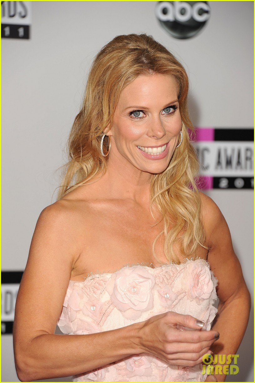 jenny mccarthy julie bowen cheryl hines amas 2011 04