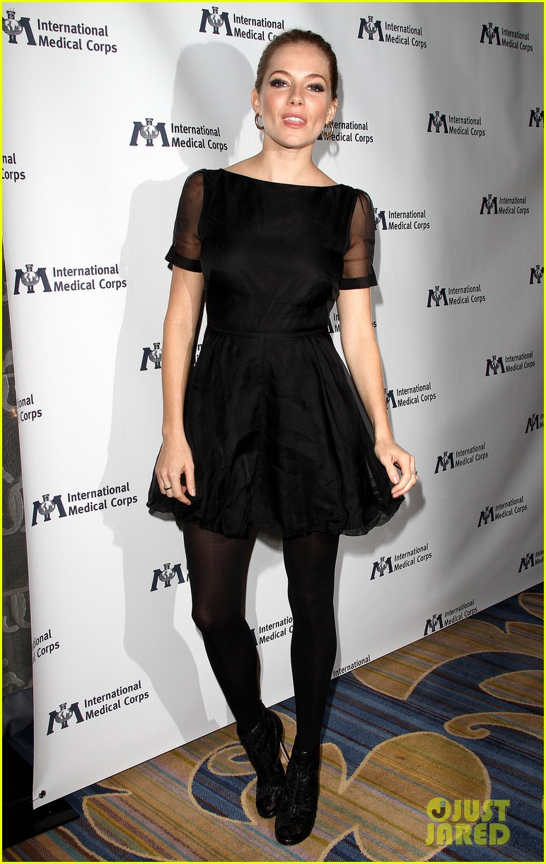sienna miller medical corps awards celebration 05
