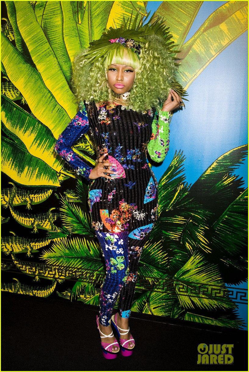 nicki minaj versace for hm launch party performer 092598270