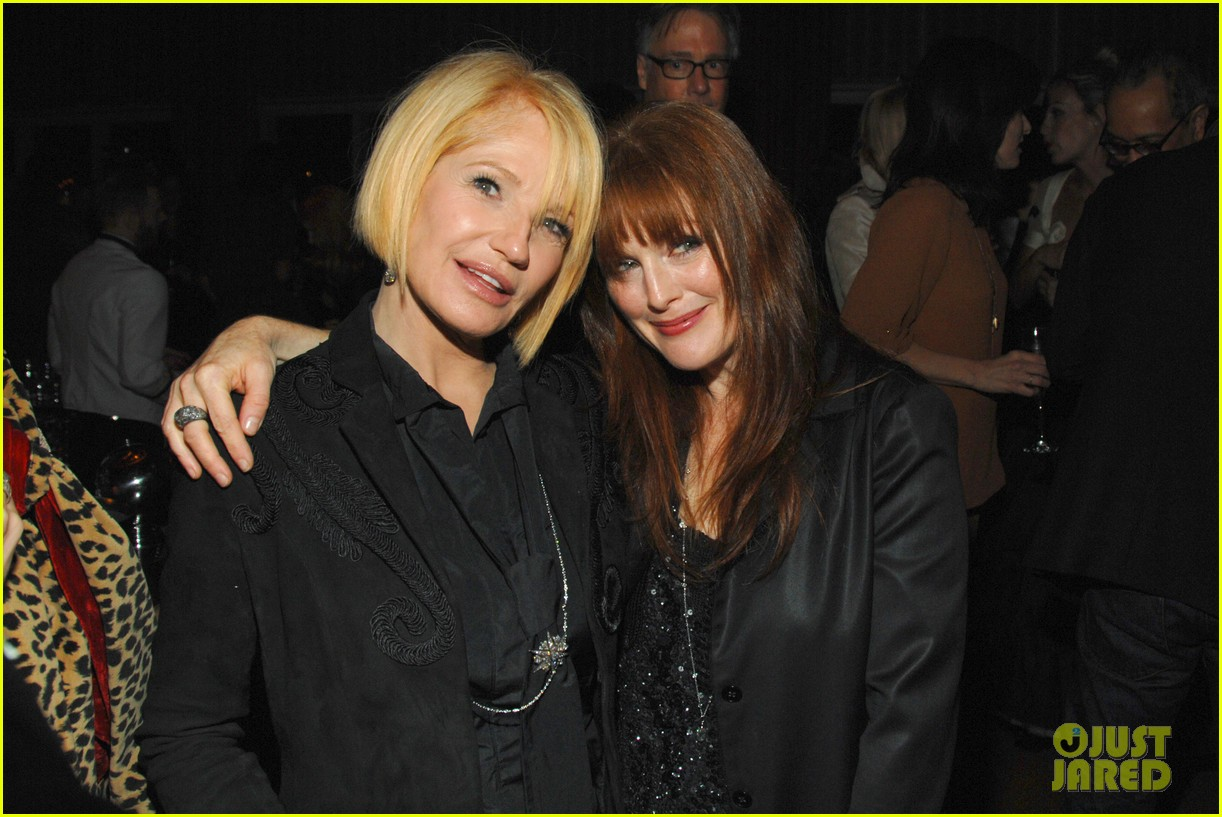 Photo of Julianne Moore & her friend  Ellen Barkin