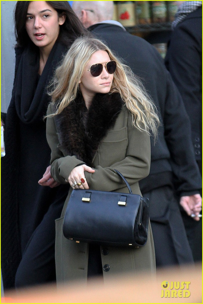 mary kate olsen bundled up in the east village 04