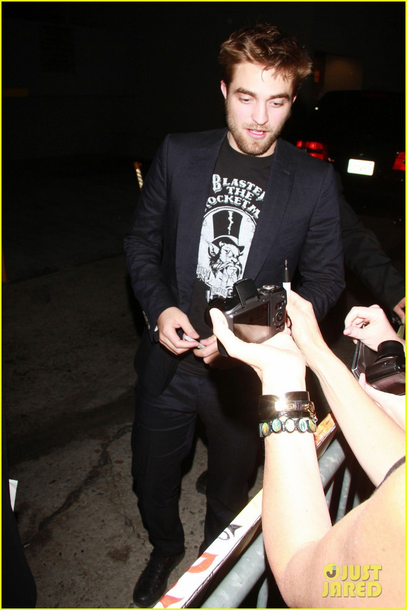 robert pattinson jimmy kimmel live visit 01